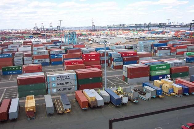 За год импорт товаров в Казахстан вырос почти на треть