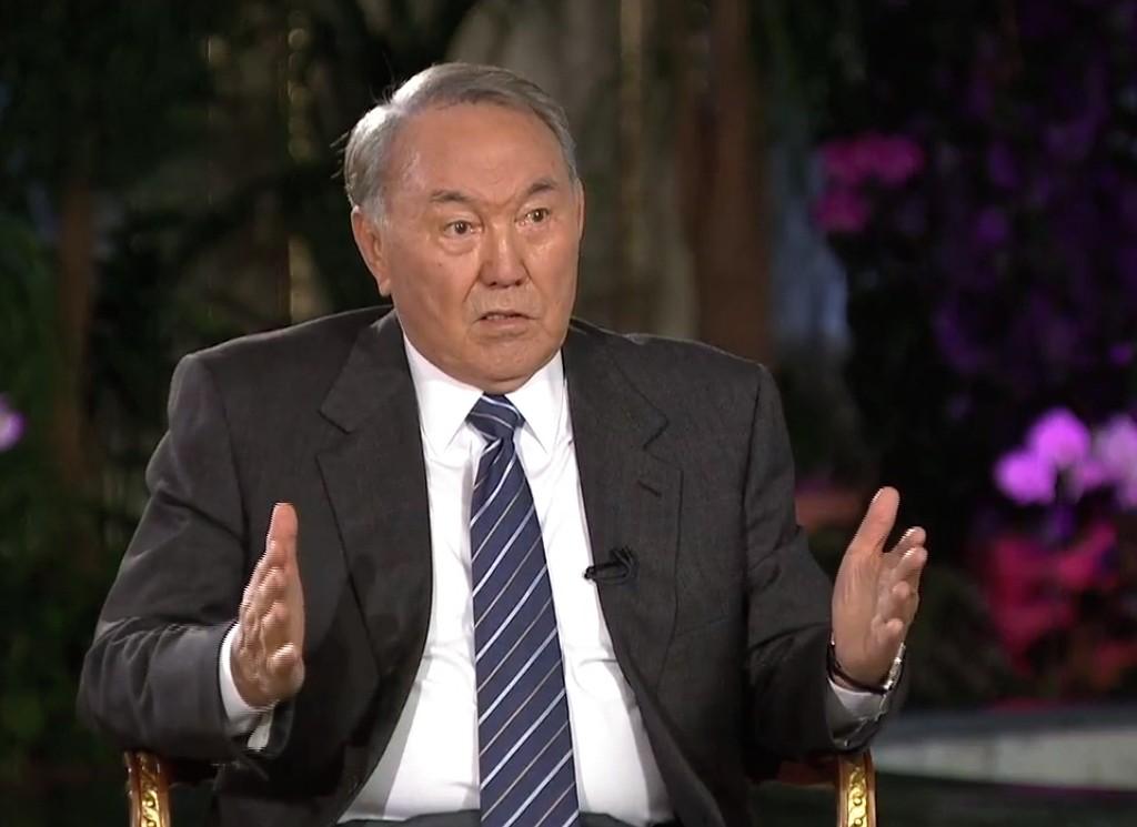 Назарбаев отверг предложение переименовать Астану вего честь
