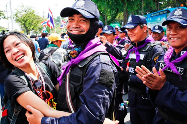 Оппозиция Таиланда прекратила митинги