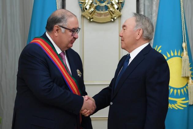 Елбасы наградил Алишера Усманова орденом «Достық»