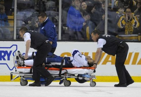 Лучший бомбардир НХЛ сломал ногу