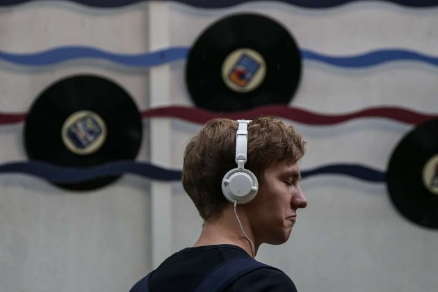 Доходы от продажи музыки в мире выросли за год на 10%