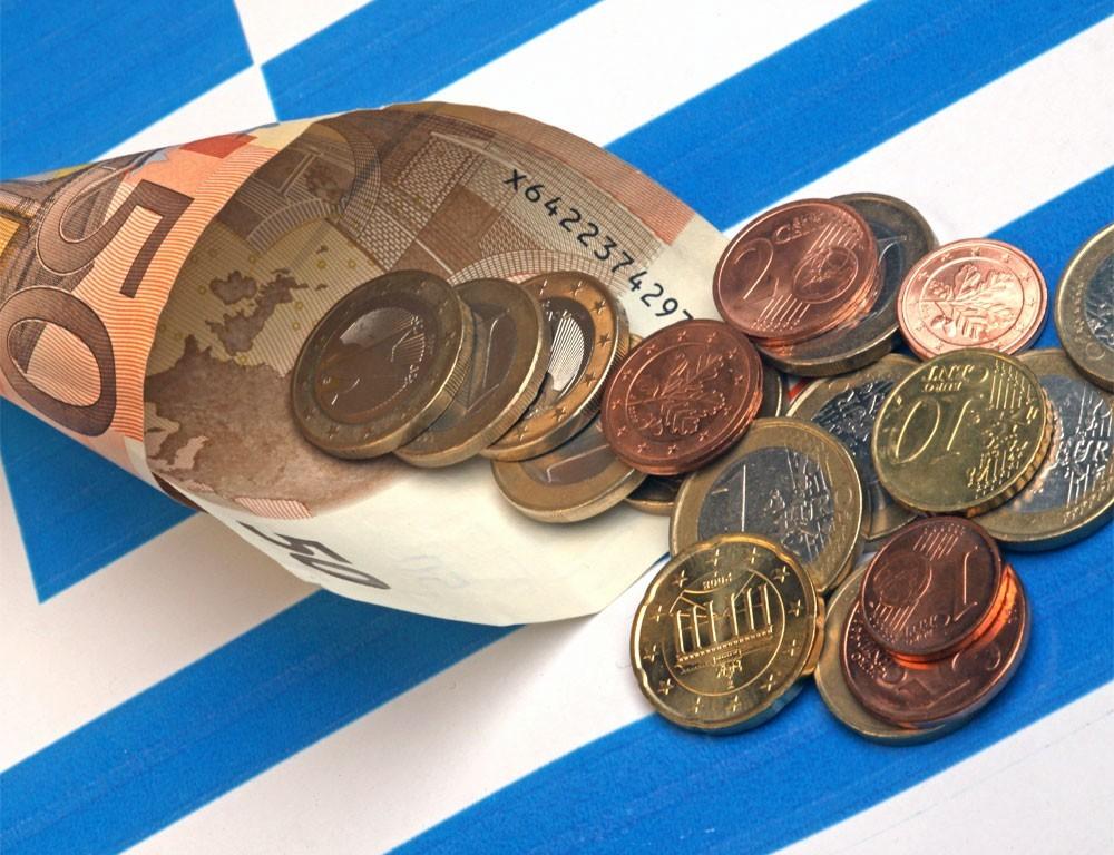 Парламент Греции одобрил введение новых мер экономии