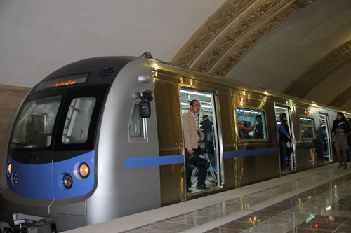 Есимов встретит 10-миллионного пассажира метро