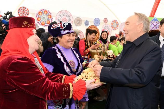 Нурсултан Назарбаев призвал беречь мирную жизнь и стабильность