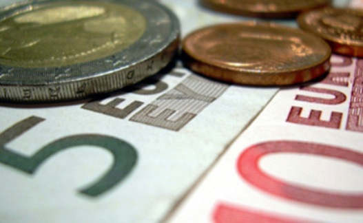 Евровалюта потерпела полный крах