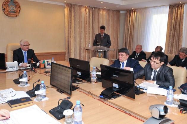 Аким Ерик Султанов обозначил задачи на 2015 год