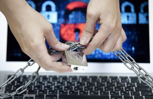 Без вмешательства суда в Казахстане могут блокировать соцсети