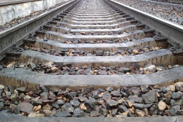 Из-за схода грузовых вагонов задержаны семь пассажирских поездов
