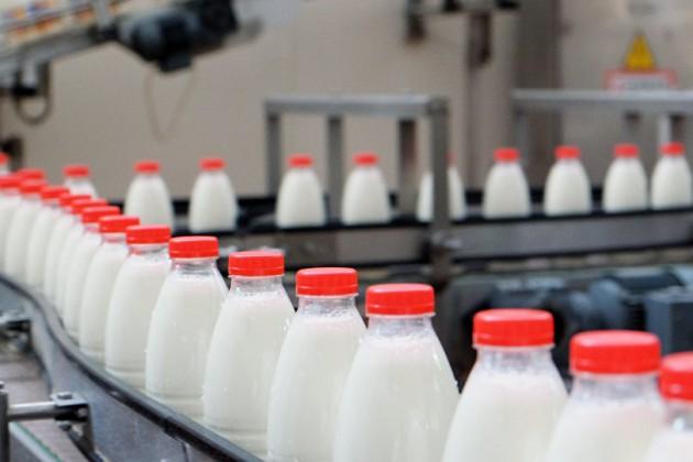 В ЕЭК сочли нарушением запрет поставок молока из Беларуси в Россию