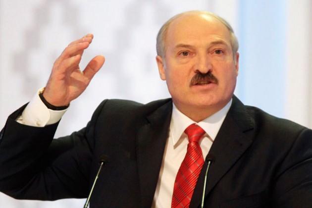 Лукашенко припугнул выходом из ТС