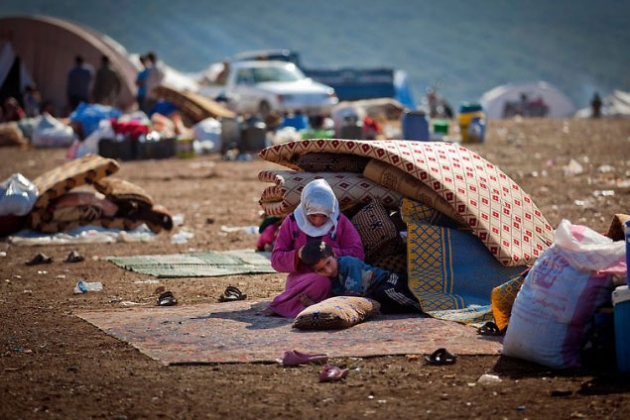 Германия в двое увеличит расходы на льготы для беженцев