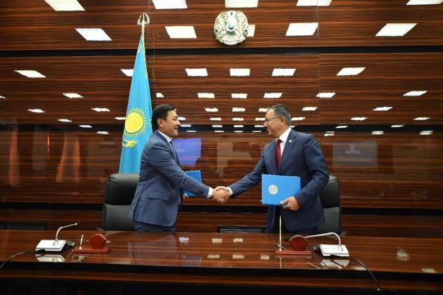 Жансеит Туймебаев иАлтай Кульгинов подписали 4меморандума