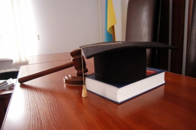 Суд Англии запретил Ильясу Храпунову использовать активы