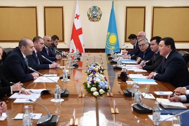 Казахстан и Грузия намерены в два раза увеличить товарооборот