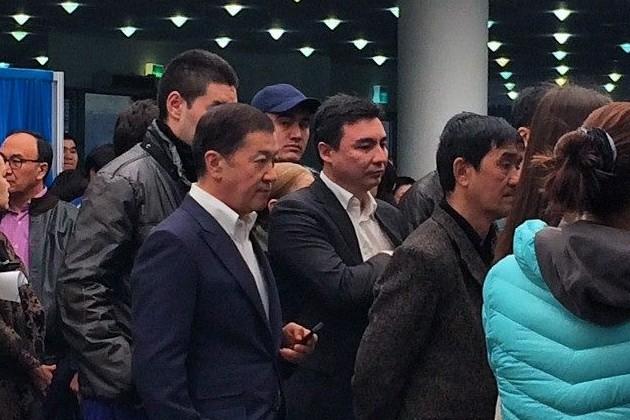 Политики и бизнесмены пришли на избирательные участки