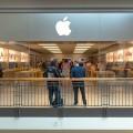 Тим Кук объявил о решении снизить цены на iPhone