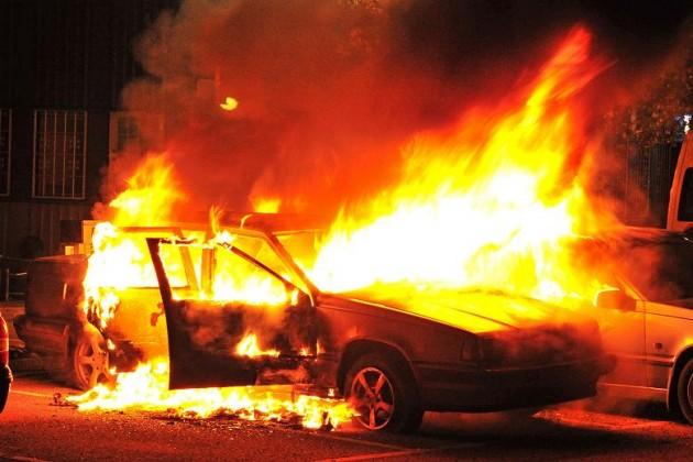 Полиция Стокгольма открыла огонь из-за массовых беспорядков
