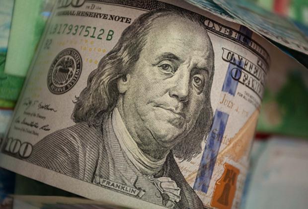 НаKASE падает количество сделок сдолларом