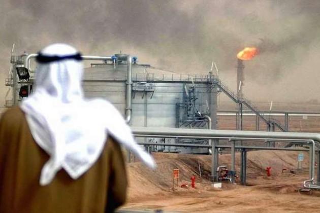 Саудовская Аравия обвалила рынок нефти