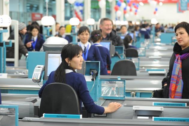 Казахстанцы потратили в магазинах почти 700 млрд тенге