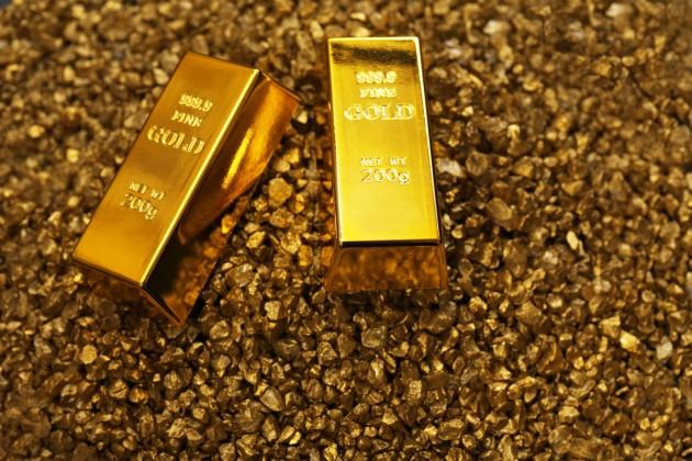 Почему золото теряет вцене?