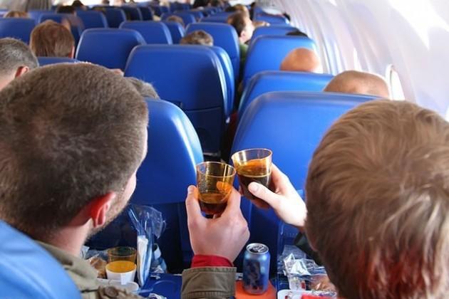 Казахстан не будет ужесточать наказание за дебош в самолете