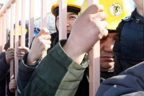 В Актау в забастовке приняли участие 150 рабочих