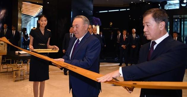 Президент принял участие вцеремонии открытия Ritz-Carlton