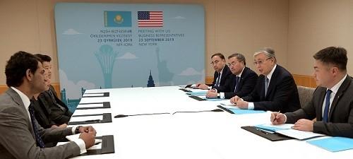 Президент встретился с капитанами бизнеса США
