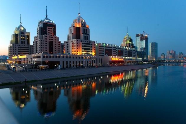 Жилье выгодно покупать в Астане и Алматы