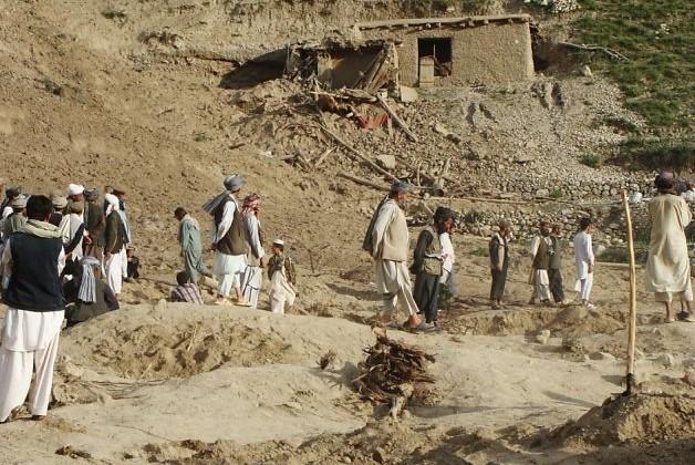 В Афганистане при сходе оползня погибли 350 человек