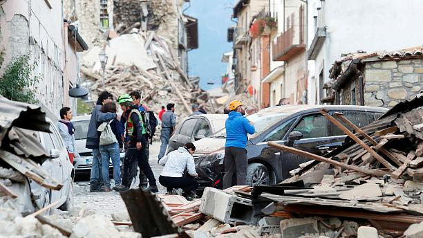 Землетрясение разрушило почти 300 исторических зданий в Италии
