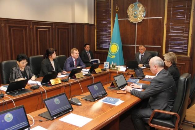 ЦИК официально зарегистрировал нового депутата сената