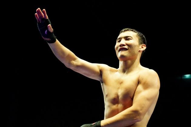 Канат Ислам одержал 17-ю победу на профи-ринге