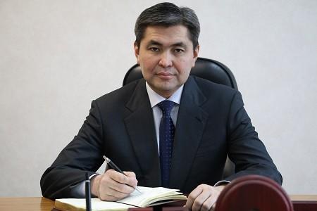 Калилла Абдуллаев освобожден отдолжности председателя Комитета погосзакупкам