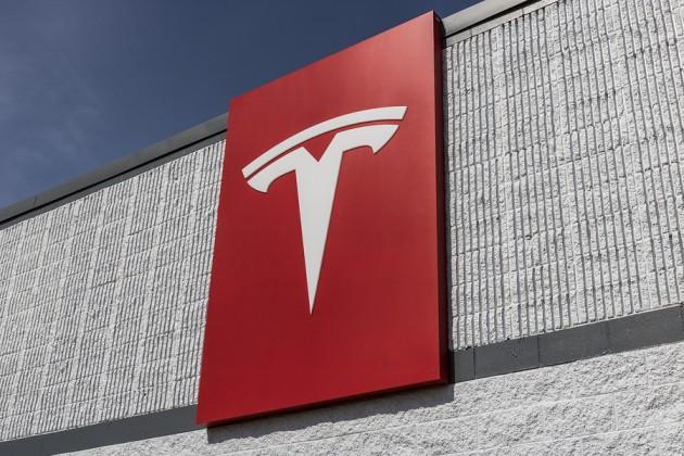 Илон Маск назвал дату премьеры нового кроссовера Tesla