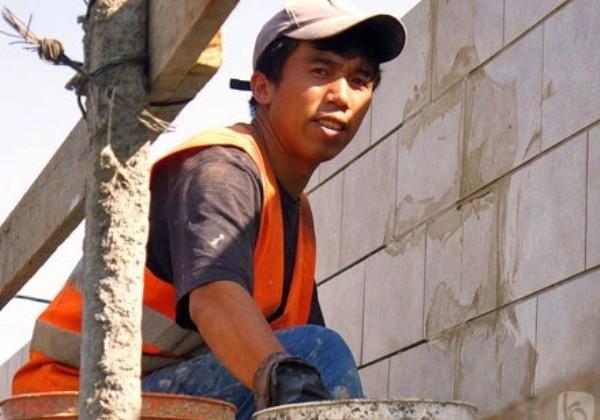 Мигранты смогут непрерывно работать в стране около года