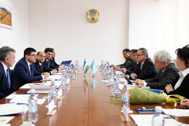 Казахстан иУзбекистан обсуждают введение Silk Road визы