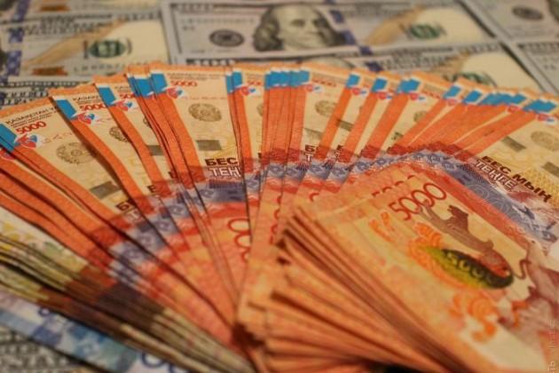 Курс национальной валюты продолжил ослабевать