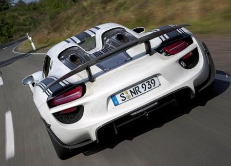 918-й потягается с LаFerrari и McLaren P1