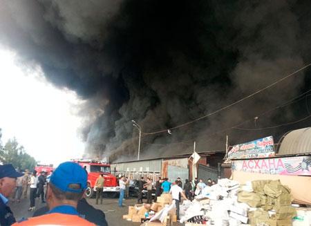 Более 230 бутиков сгорели во время пожара в Алматы