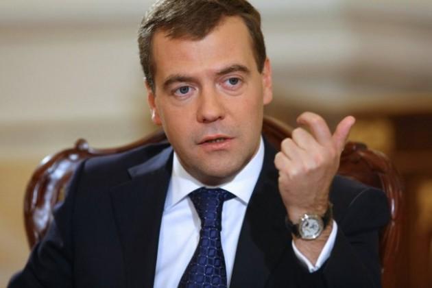 Ахметов пригласил Медведева в Астану