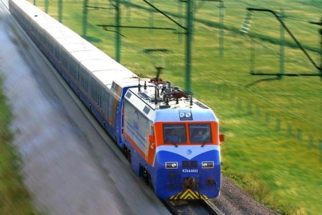 Из Алматы до Алаколя можно доехать на чартерном поезде