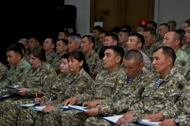 Свыше 500 сержантов получили дополнительное образование