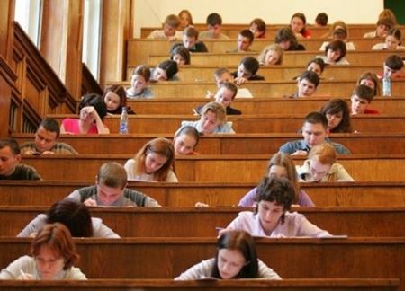 Многие вузы РК облегчают условия обучения