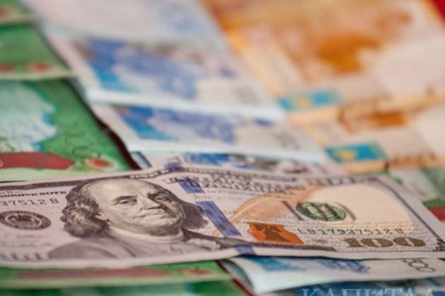 ВАлматы доллар вобменных пунктах достиг 353тенге