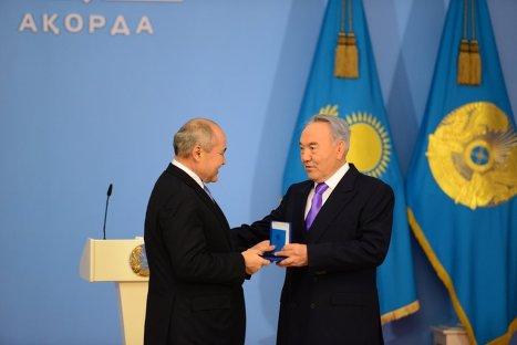 Назарбаев вручил госпремии Казахстана деятелям культуры инауки