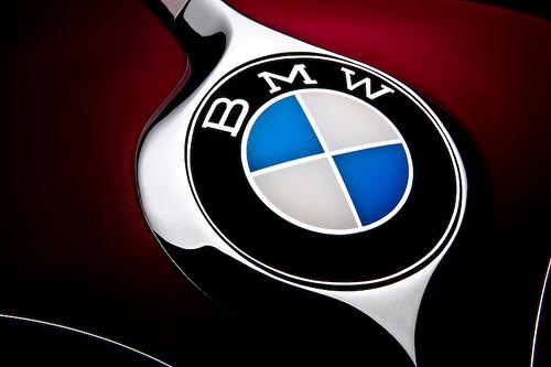 Продажи BMW достигли рекорда в 2012 году