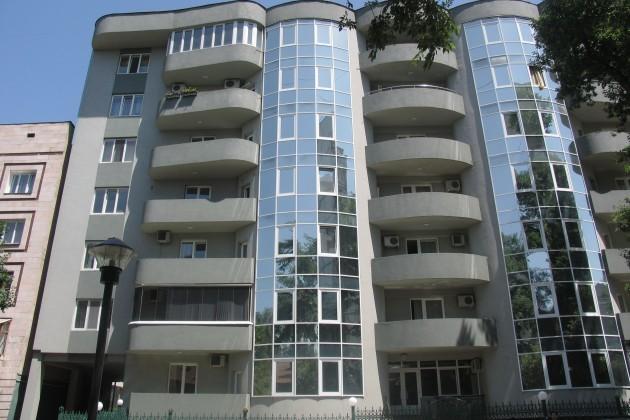 Активность на рынке жилья Алматы и Астаны повысится до 25%
